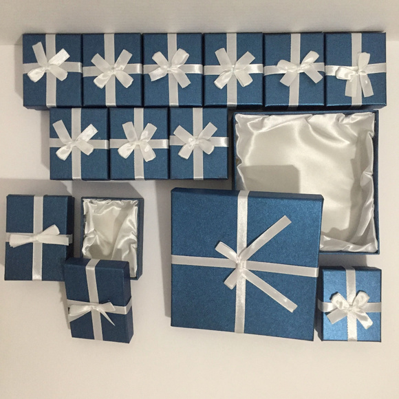 Jewelry Boxes Jewelry - GIFT BOXES - 13 Gift Boxes with Satin Interior